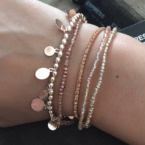20 off Express Jewelry Express gorgeous set of 5 rose gold